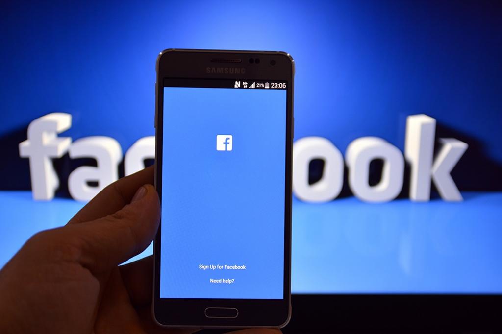 facebook-poraba-baterije-touchstudio-izdelava-spletnih-strani